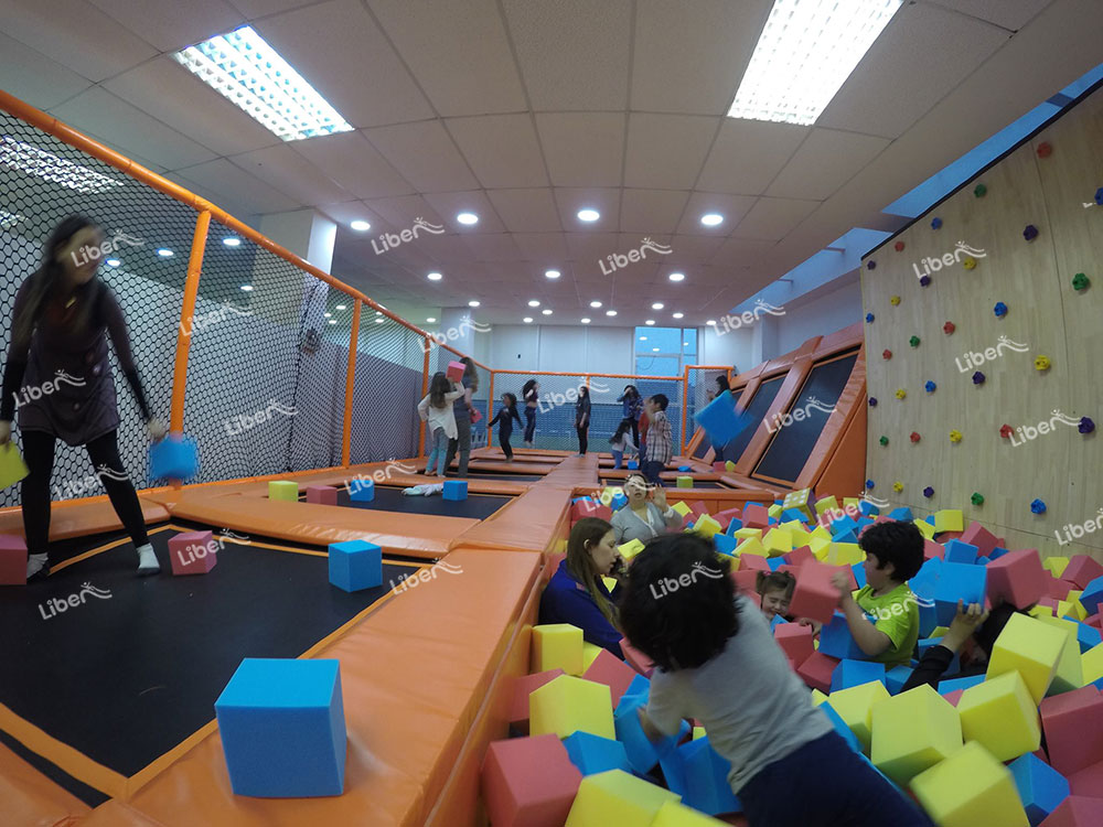 indoor trampoline park attractions