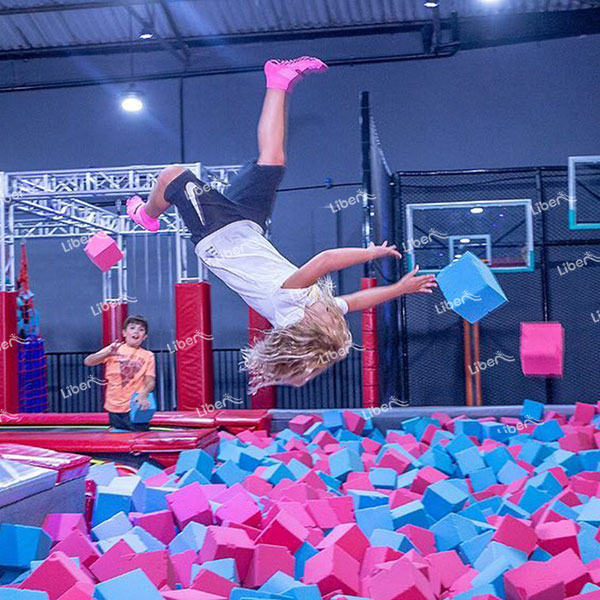 What Are The Advantages Of Indoor Trampoline Equipment? What Are The Benefits For The Body?
